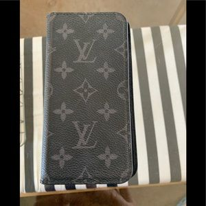 Louis Vuitton Cell Phone/Card Holder